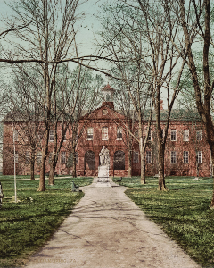 William and Mary College, Williamsburg, Virginia, circa 1902 small.png